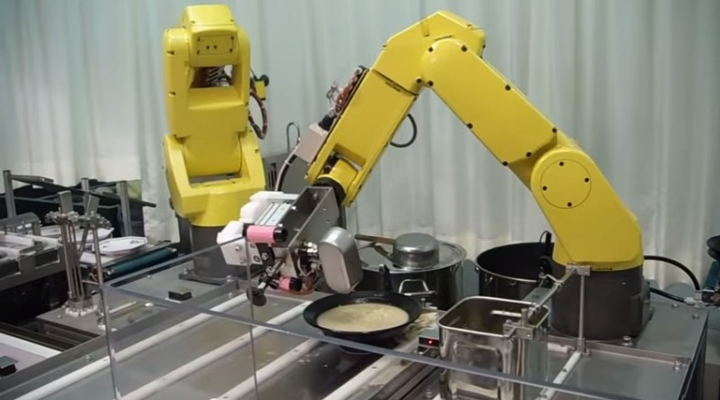 robot ramienny do podawania jedzenia