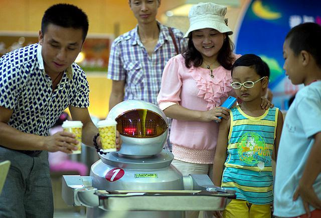 roboty w restauracji dla dzieci