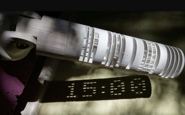 zegar cyfrowy jak tuba