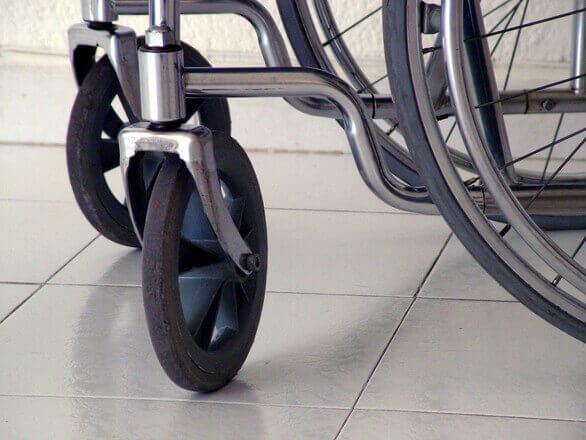 Dofinansowanie PFRON na pracowników niepełnosprawnych – kto może z niego skorzystać?